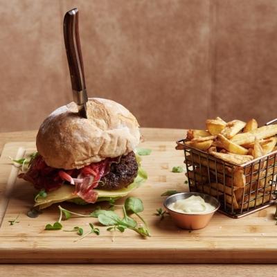 the-market-hotel-cafe-willem-albert-burger